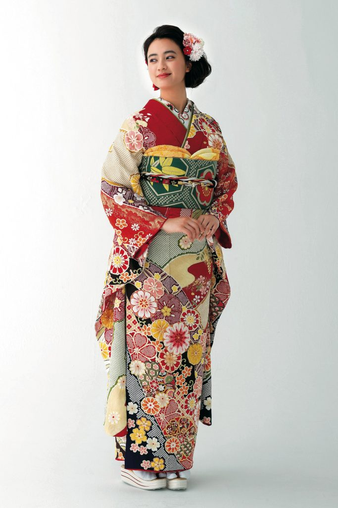 振袖日和2021 描かれた日本伝統の吉祥文様が煌く古典振袖