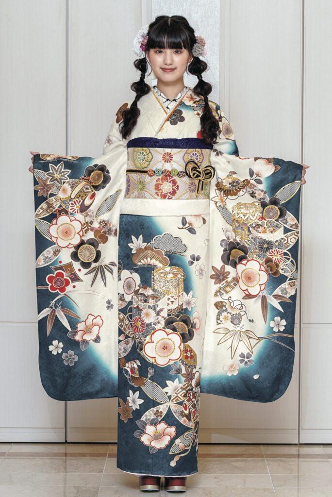 紺白のコントラストと吉祥文様が美しい振袖